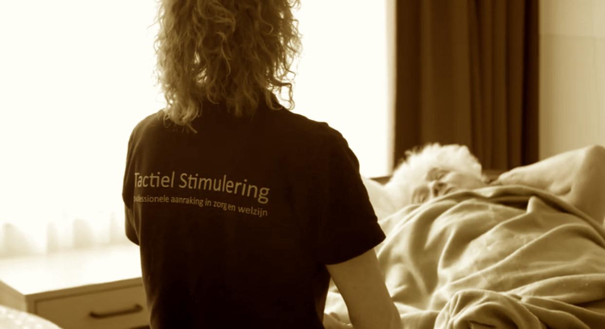 Opleiding Ouderenzorg & massage en aanraking